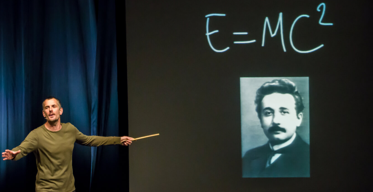 Basic Einstein   Conférence gesticulée